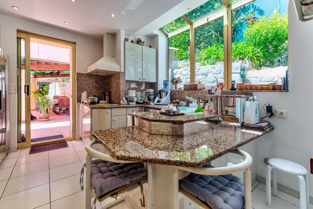 Maison à vendre 6 230m2 à Villefranche-sur-Mer vignette-12