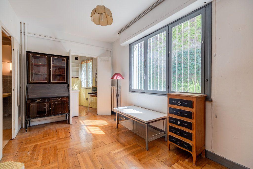 Appartement à vendre 1 23m2 à Nice vignette-2