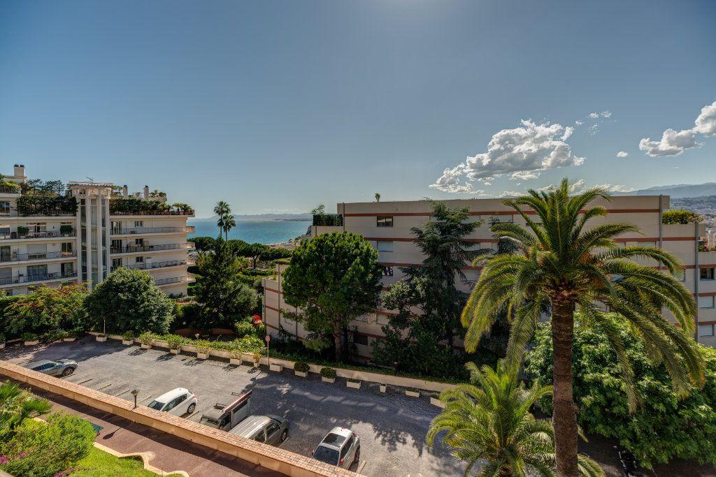 Appartement à vendre 3 82m2 à Nice vignette-2