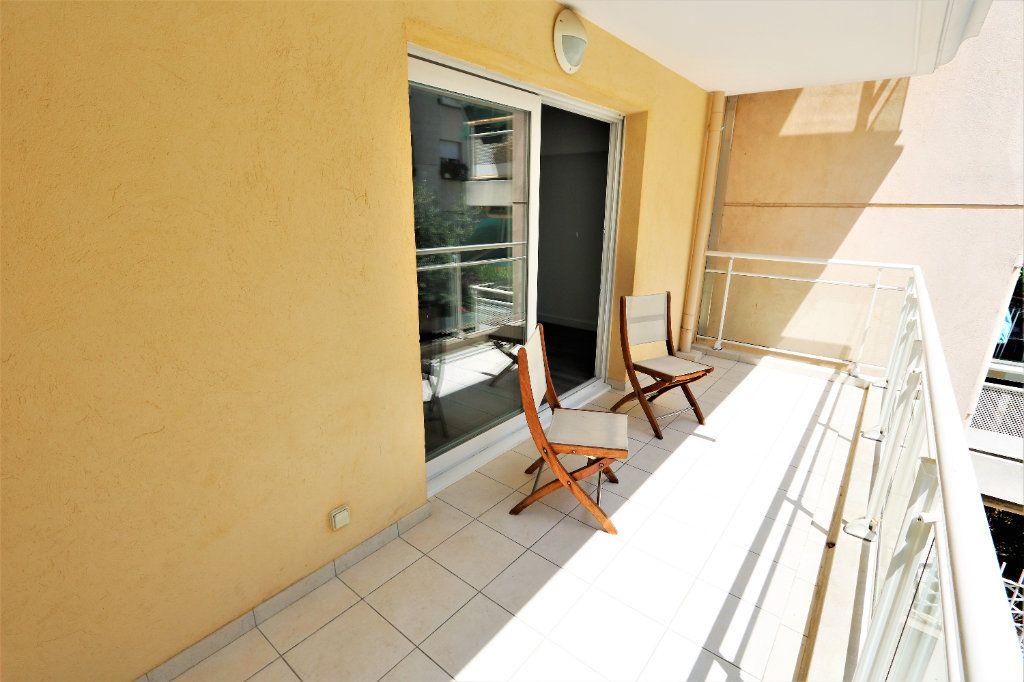 Appartement à vendre 3 63.69m2 à Nice vignette-1