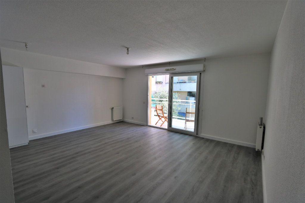 Appartement à vendre 3 63.69m2 à Nice vignette-3