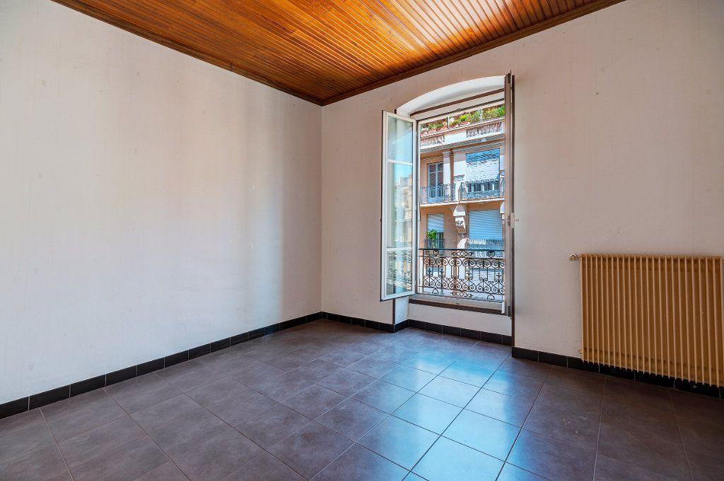 Appartement à vendre 3 68m2 à Nice vignette-1