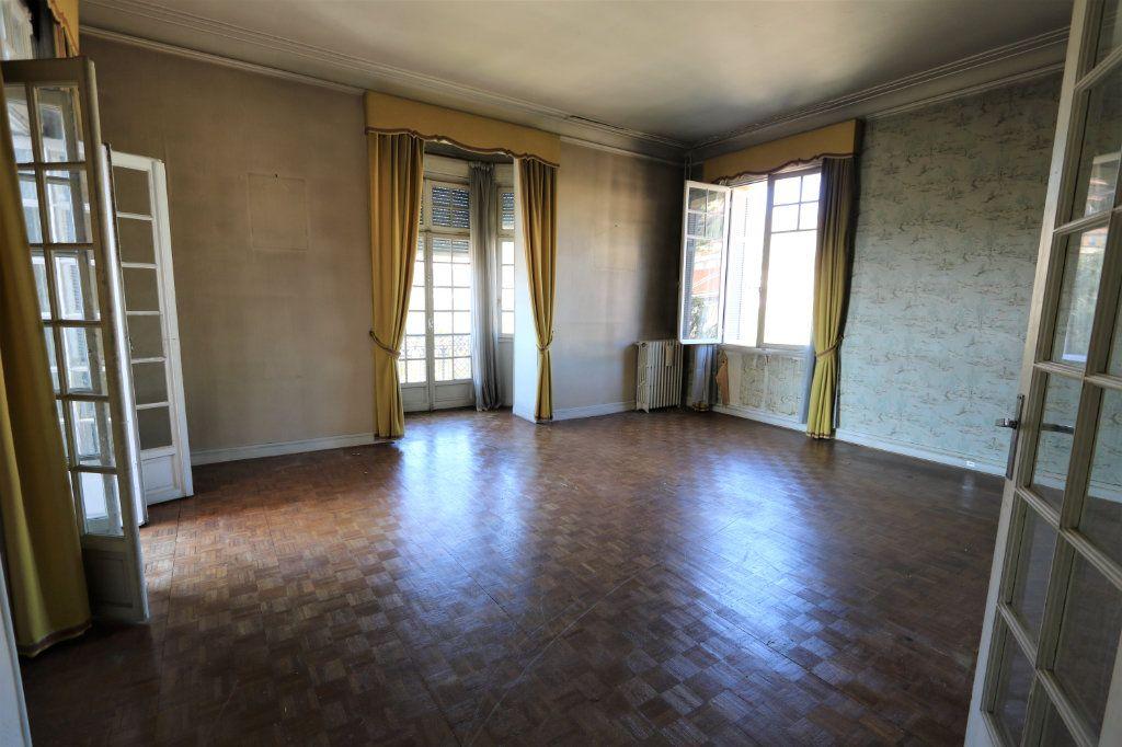 Appartement à vendre 2 82m2 à Menton vignette-1