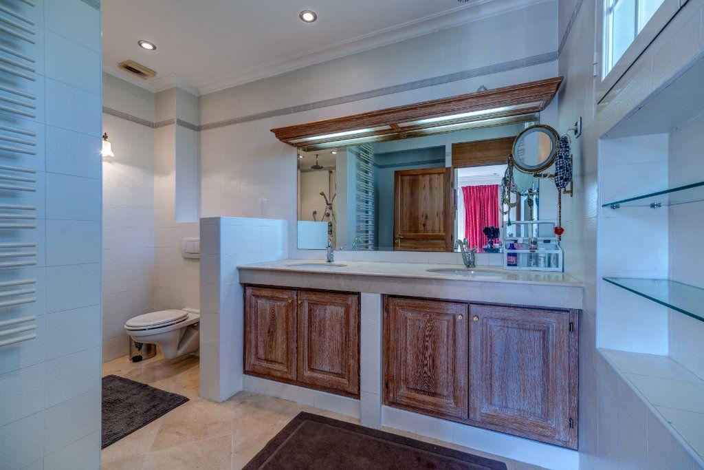 Maison à vendre 8 453m2 à La Colle-sur-Loup vignette-9