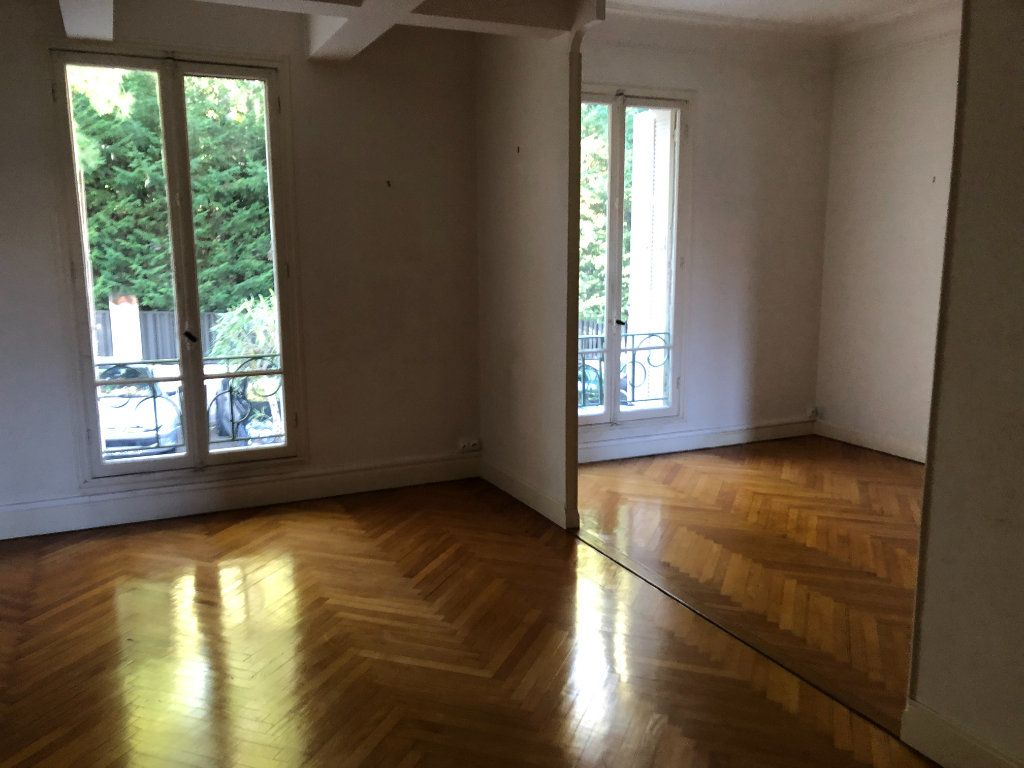 Appartement à vendre 5 123m2 à Beaulieu-sur-Mer vignette-3