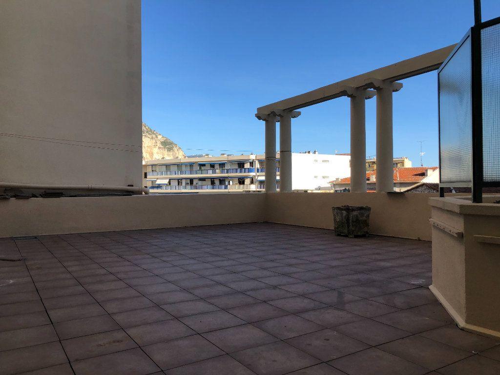 Appartement à vendre 5 123m2 à Beaulieu-sur-Mer vignette-7