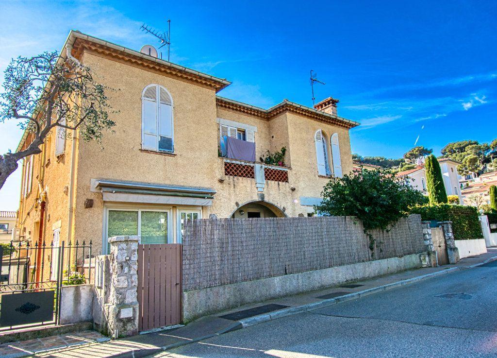 Appartement à vendre 2 56m2 à Saint-Jean-Cap-Ferrat vignette-3