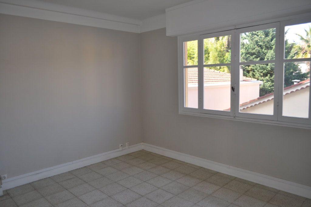 Appartement à vendre 2 50m2 à Saint-Jean-Cap-Ferrat vignette-4
