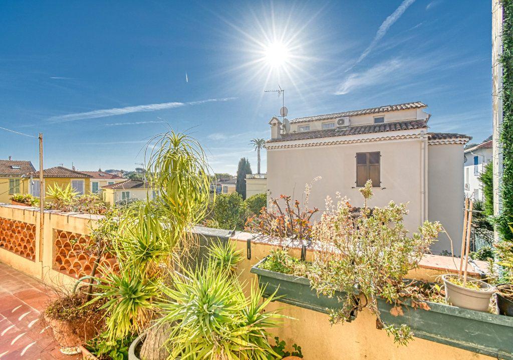 Appartement à vendre 3 67m2 à Saint-Jean-Cap-Ferrat vignette-3