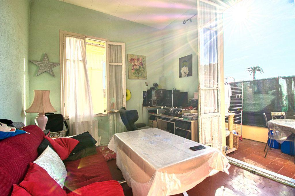 Appartement à vendre 3 67m2 à Saint-Jean-Cap-Ferrat vignette-6
