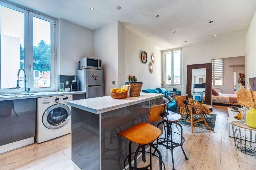 Appartement à vendre 2 34m2 à Nice vignette-1