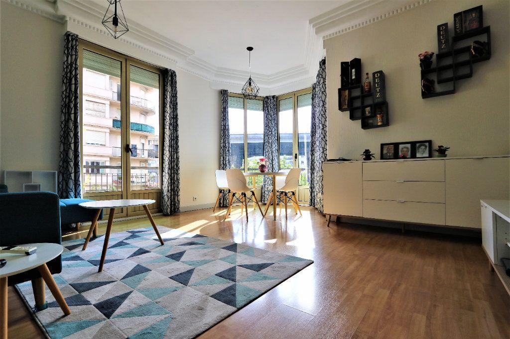 Appartement à vendre 3 86.33m2 à Nice vignette-1