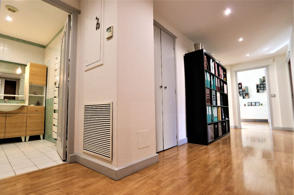 Appartement à vendre 3 86.33m2 à Nice vignette-3