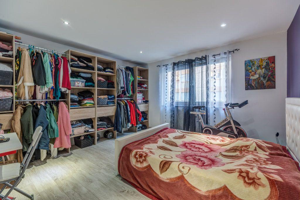Maison à vendre 6 145m2 à Nice vignette-4