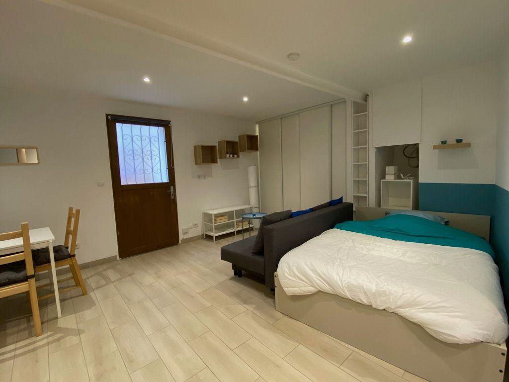 Appartement à vendre 1 26m2 à Nice vignette-3