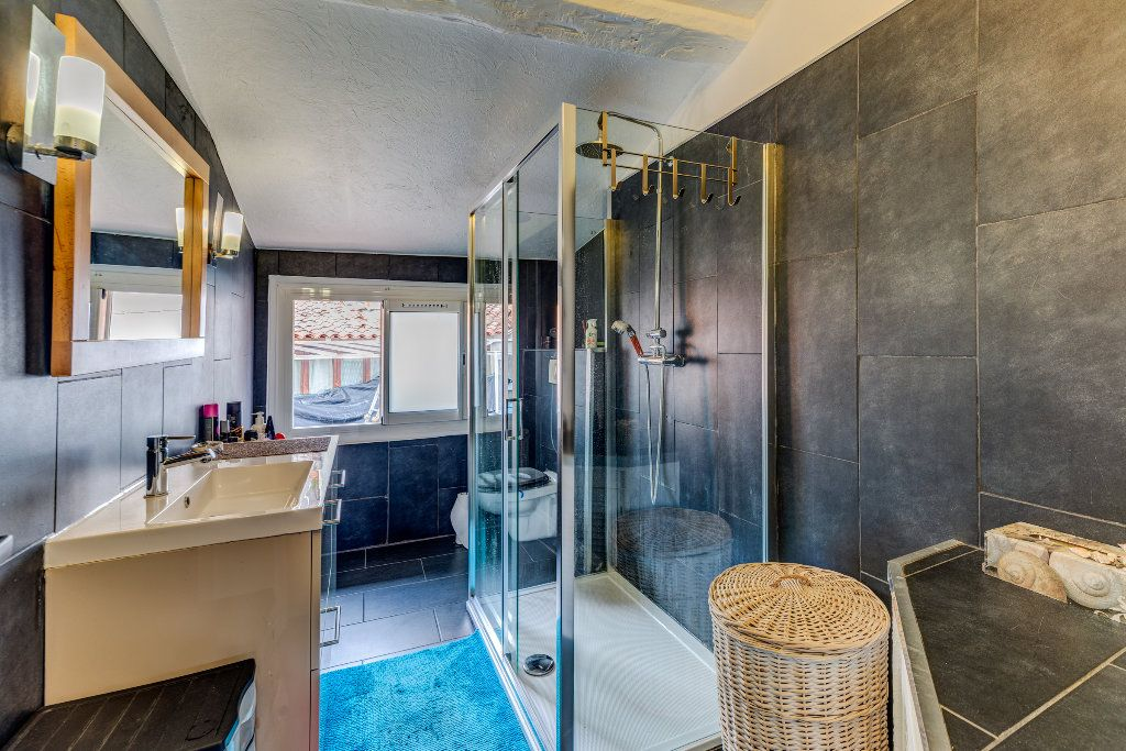 Appartement à vendre 4 106m2 à L'Escarène vignette-9
