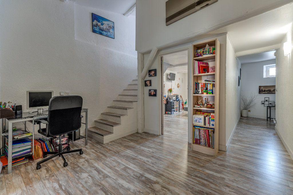 Appartement à vendre 4 106m2 à L'Escarène vignette-5