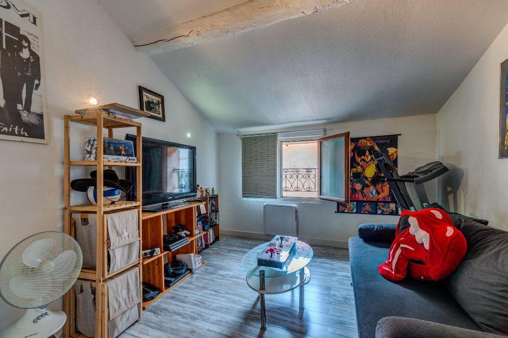 Appartement à vendre 4 106m2 à L'Escarène vignette-6