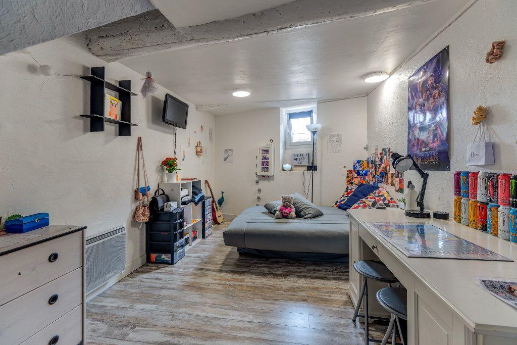 Appartement à vendre 4 106m2 à L'Escarène vignette-7