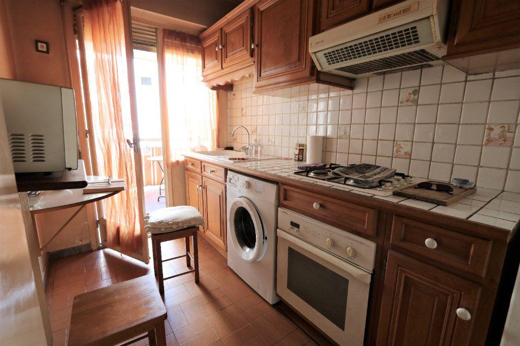 Appartement à vendre 1 29.1m2 à Nice vignette-3