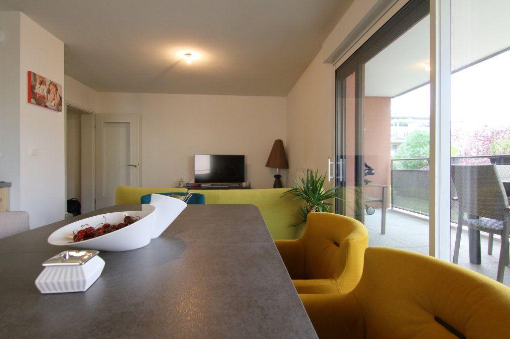 Appartement à louer 3 59.3m2 à Thionville vignette-3