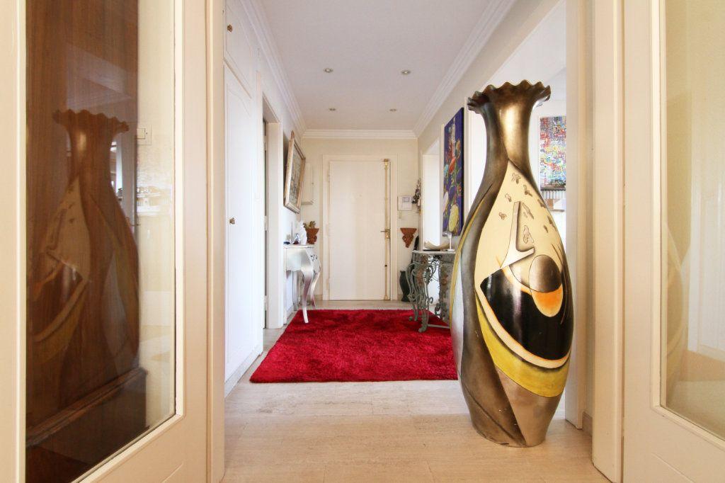 Appartement à vendre 6 171.15m2 à Thionville vignette-3