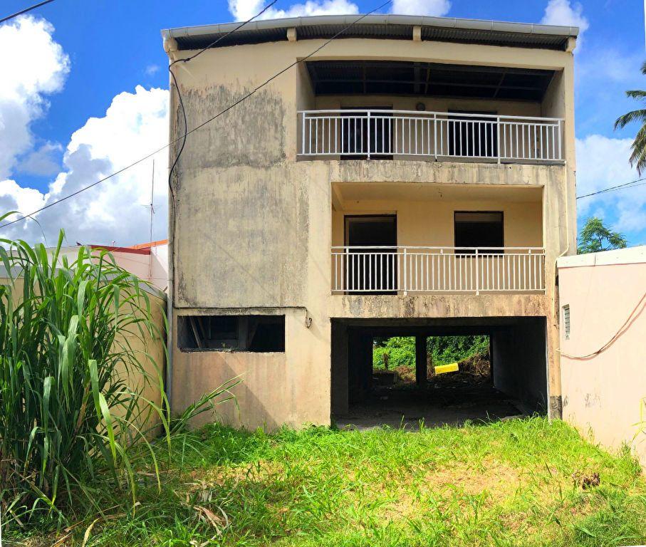 Maison à vendre 6 166.38m2 à Fort-de-France vignette-1