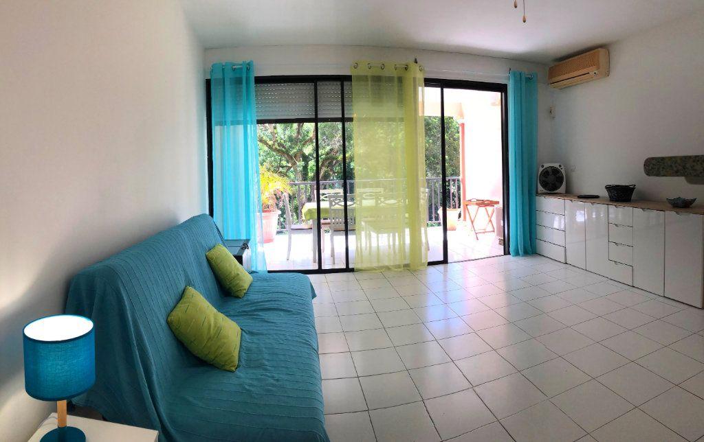 Appartement à louer 1 42.42m2 à Fort-de-France vignette-2