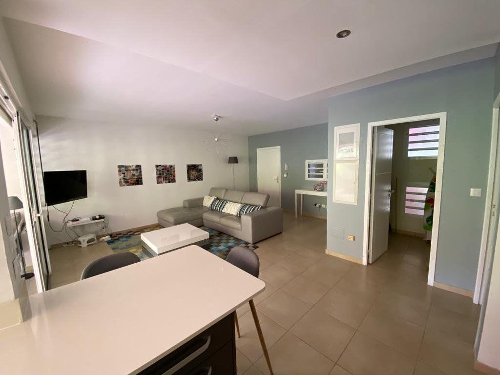 Appartement à louer 3 74.2m2 à Fort-de-France vignette-3