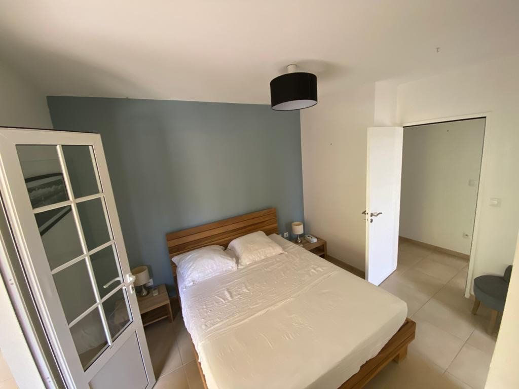 Appartement à louer 3 74.2m2 à Fort-de-France vignette-4