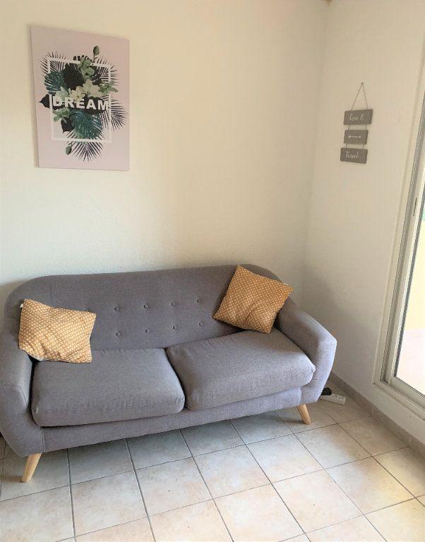 Appartement à louer 2 28.51m2 à Fort-de-France vignette-1
