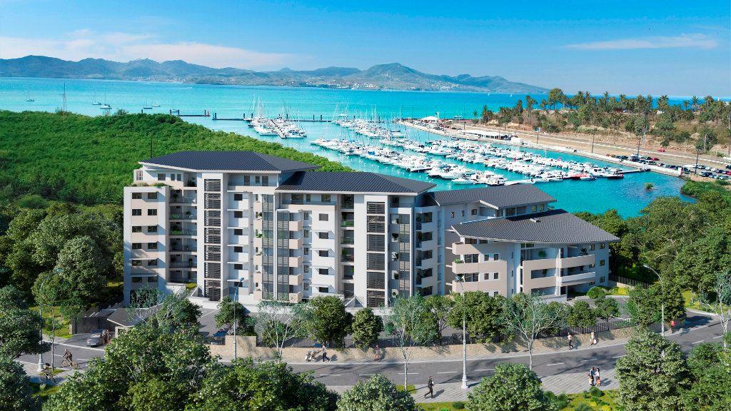 Appartement à vendre 2 63.72m2 à Fort-de-France vignette-1
