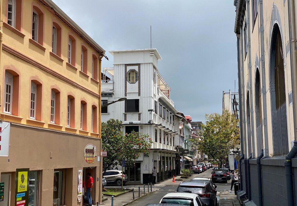 Immeuble à vendre 0 368m2 à Fort-de-France vignette-1