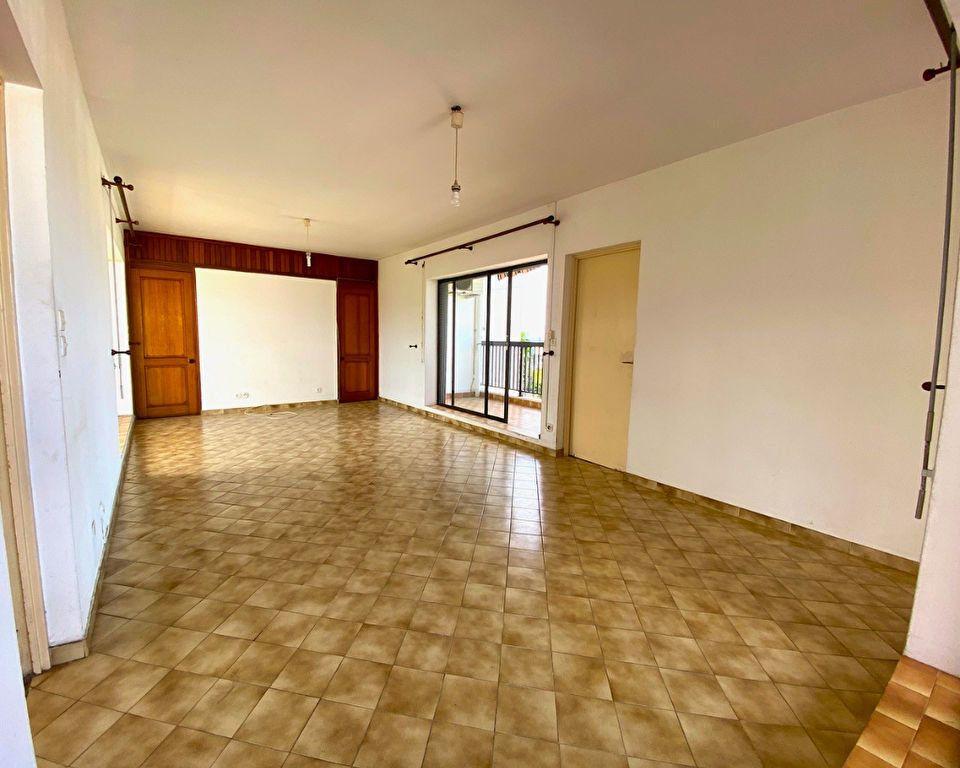 Appartement à vendre 4 113.47m2 à Fort-de-France vignette-3