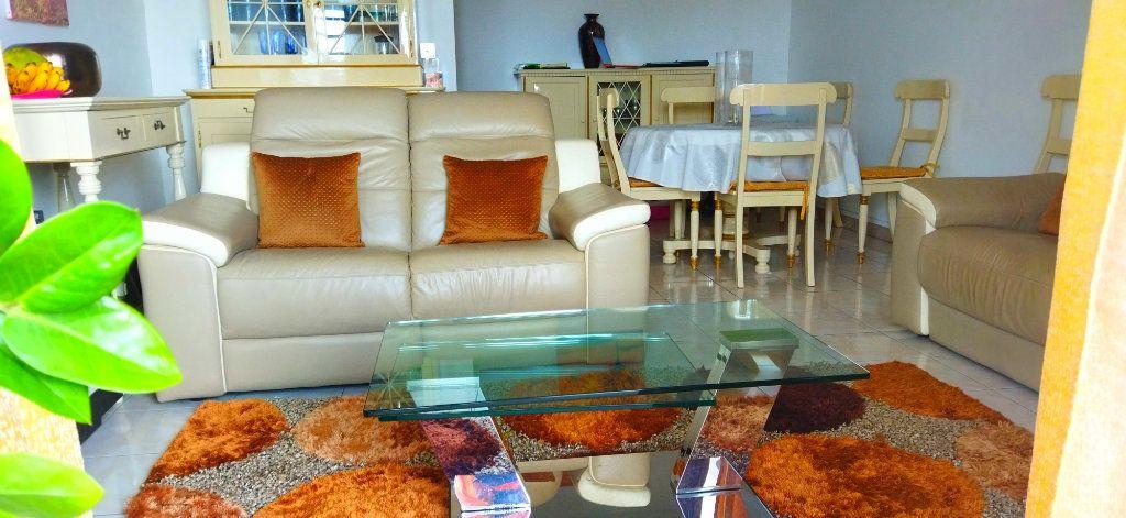 Appartement à vendre 3 83.25m2 à Fort-de-France vignette-1