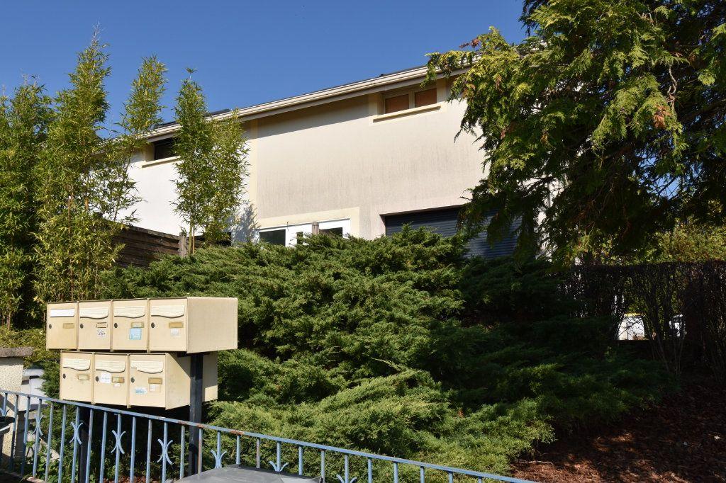 Appartement à louer 1 19.37m2 à Silly-sur-Nied vignette-1