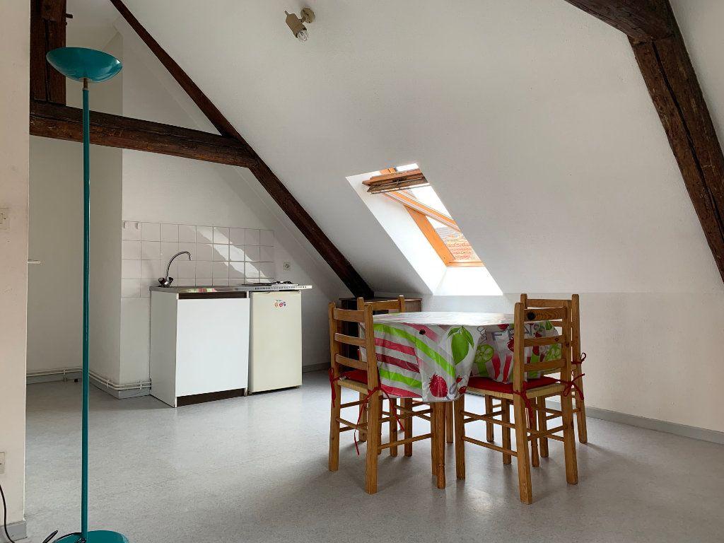 Appartement à louer 1 28m2 à Metz vignette-3