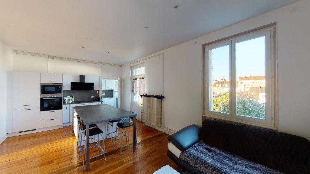 Appartement à louer 3 84m2 à Metz vignette-1