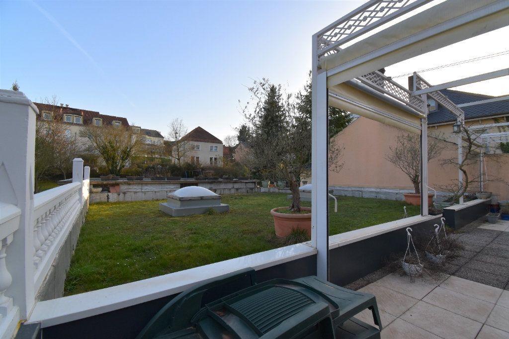 Appartement à louer 5 162.18m2 à Metz vignette-2