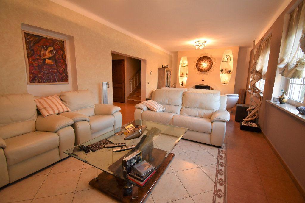 Appartement à louer 5 162.18m2 à Metz vignette-4