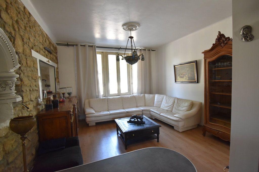 Appartement à louer 2 53m2 à Metz vignette-3
