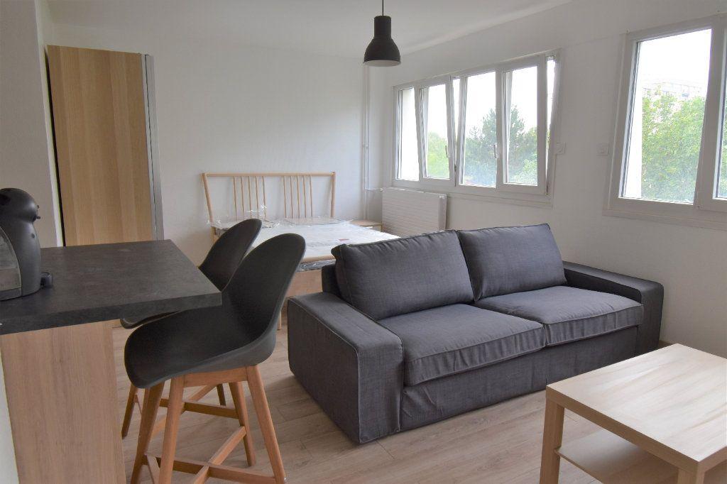 Appartement à louer 1 36.4m2 à Metz vignette-1