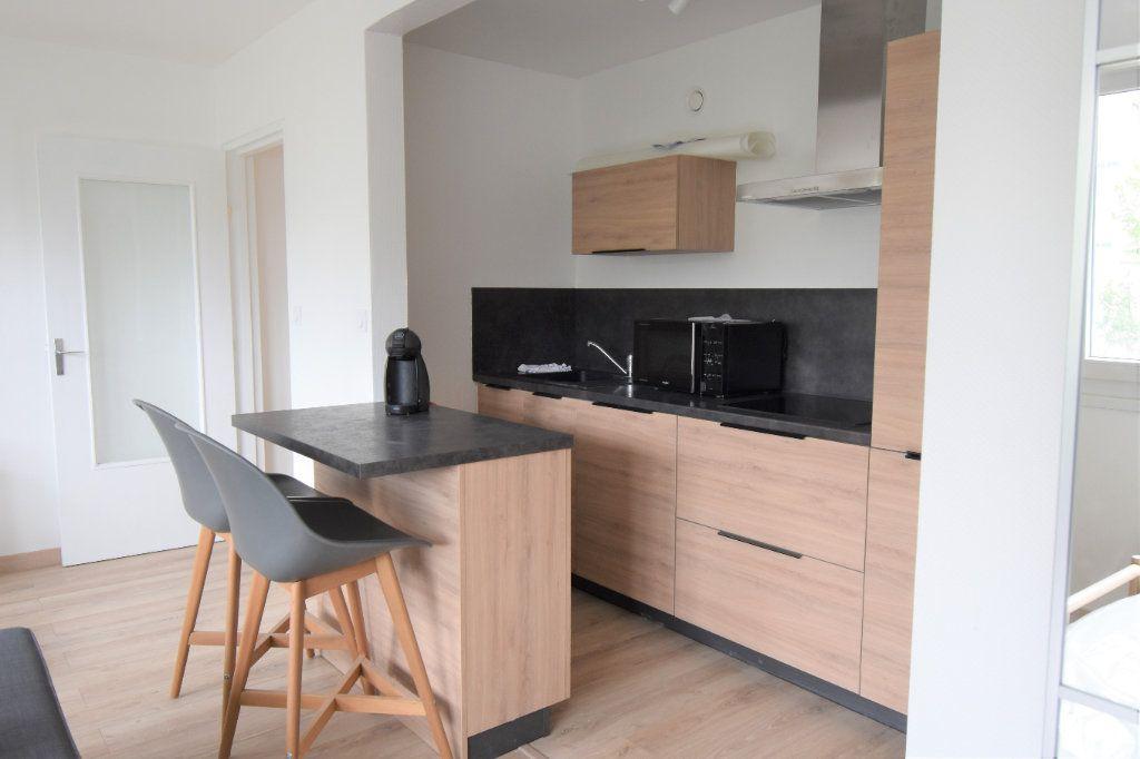 Appartement à louer 1 36.4m2 à Metz vignette-2