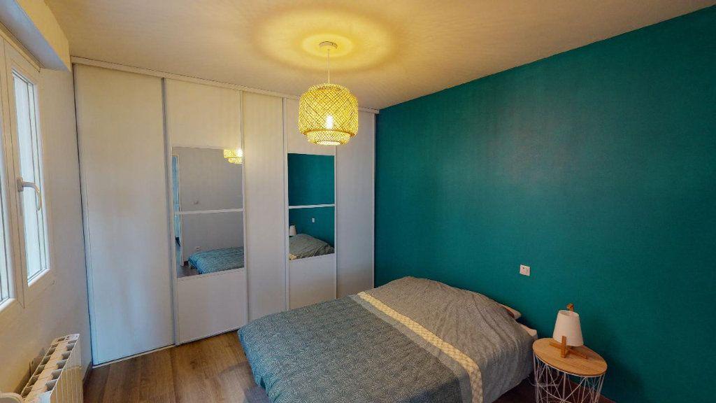 Appartement à vendre 4 82.39m2 à Courcelles-sur-Nied vignette-3