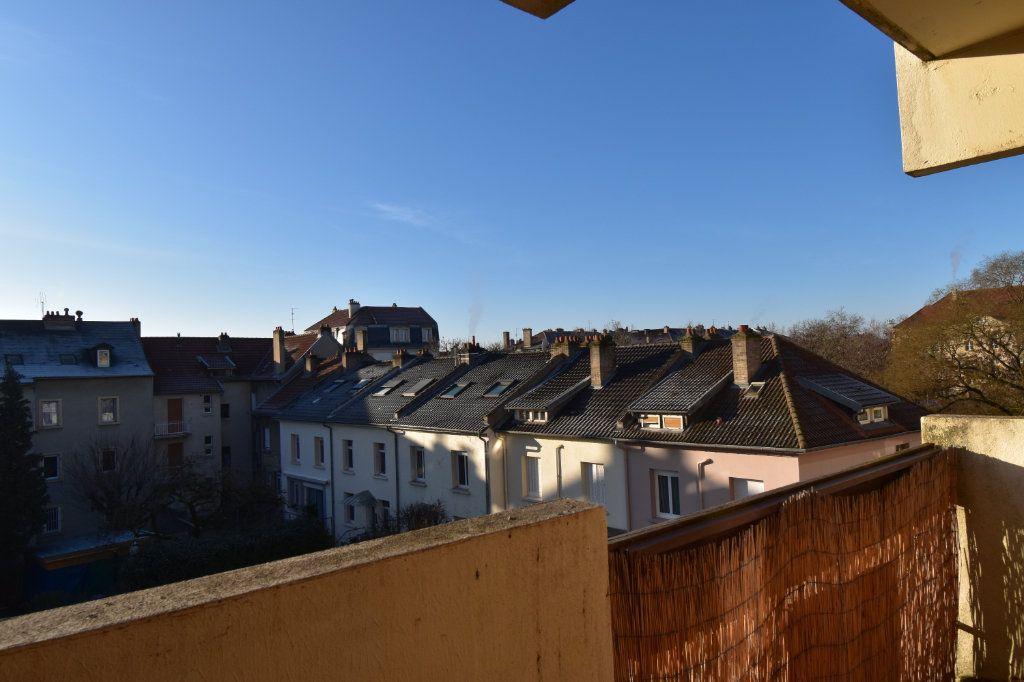 Appartement à louer 3 60.61m2 à Metz vignette-1