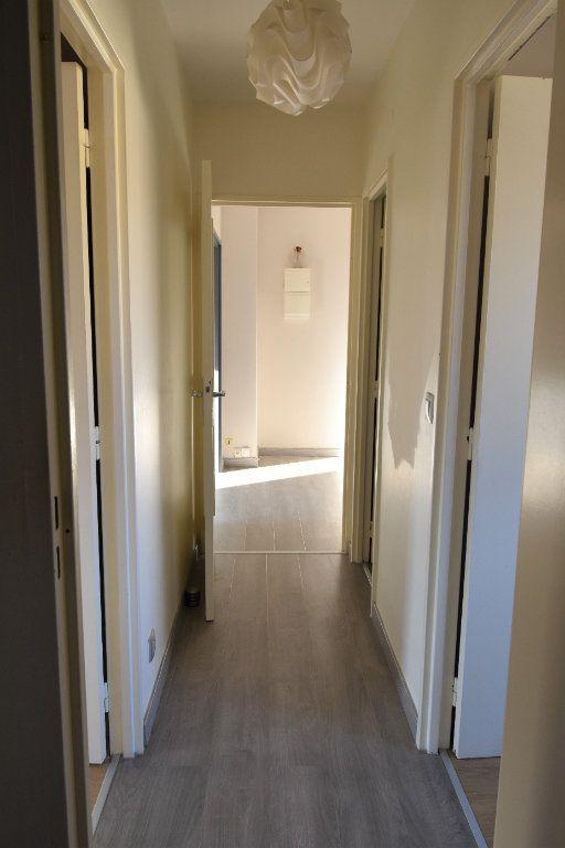 Appartement à louer 3 60.61m2 à Metz vignette-4