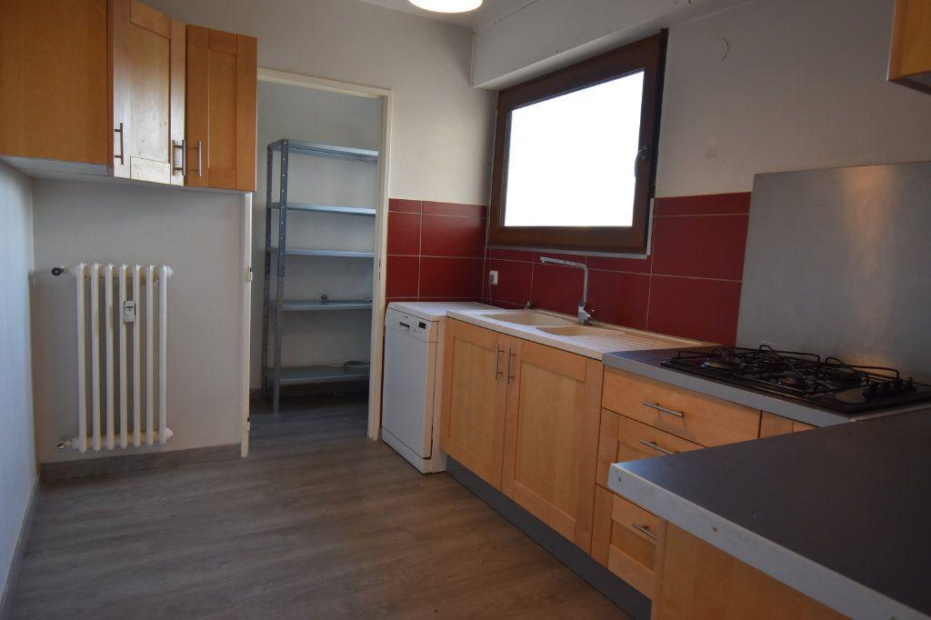 Appartement à louer 3 60.61m2 à Metz vignette-5