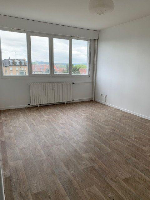 Appartement à louer 2 48.2m2 à Metz vignette-2