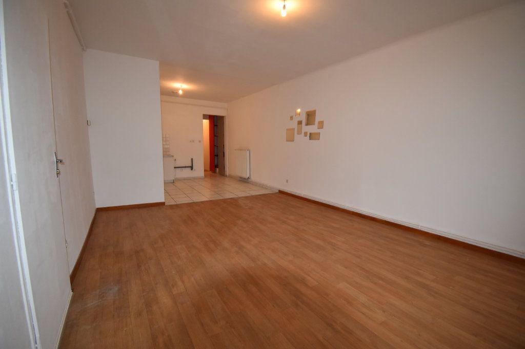 Appartement à louer 3 59.76m2 à Courcelles-sur-Nied vignette-1