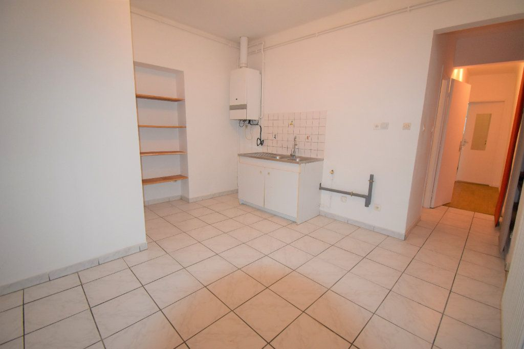 Appartement à louer 3 59.76m2 à Courcelles-sur-Nied vignette-4